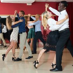 Rock, Salsa, Bachata, Kizomba, Tango et Danse de Salon